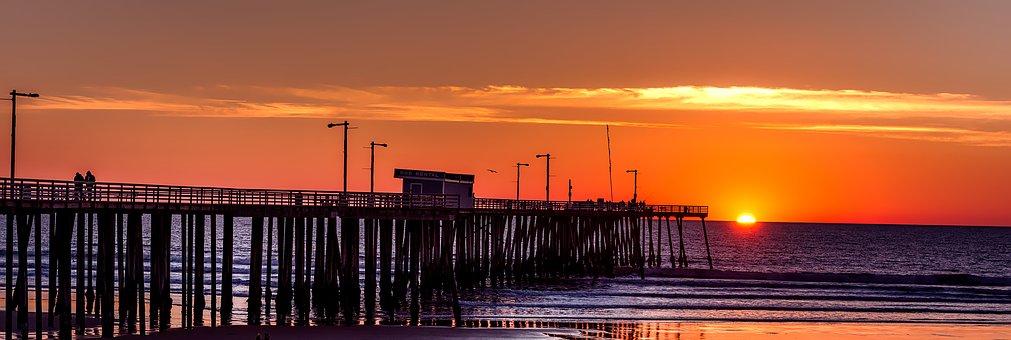 A sunset on a California beach
