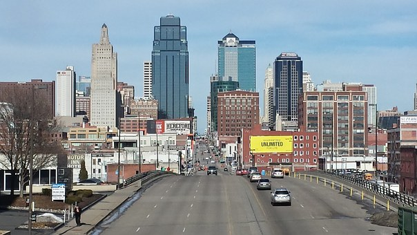 Hire cross country movers to move to Missouri