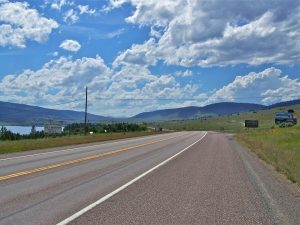 Clear skies and open roads in Montana - just the time to reach out to long distance moving companies Bozeman.