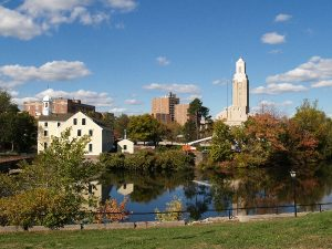 Riverside panorama of Pawtucket that long distance moving companies Pawtucket can help you enjoy.