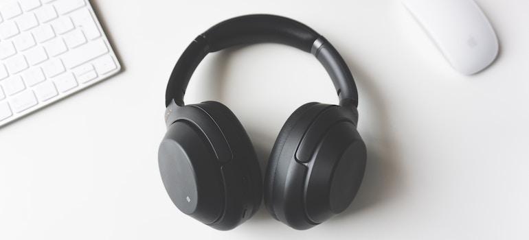 cross country movers Bangor- headphones