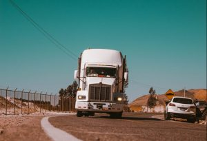 protect your moving crew from injuries- a moving truck