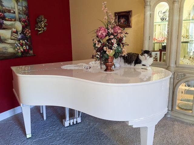 A white piano