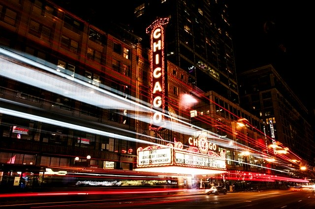 Chicago street at night