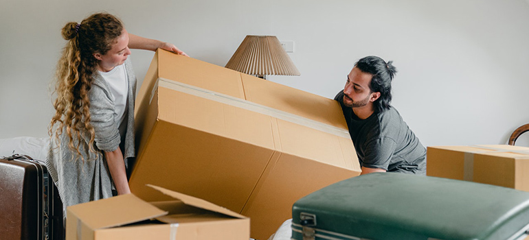 couple packing before moving
