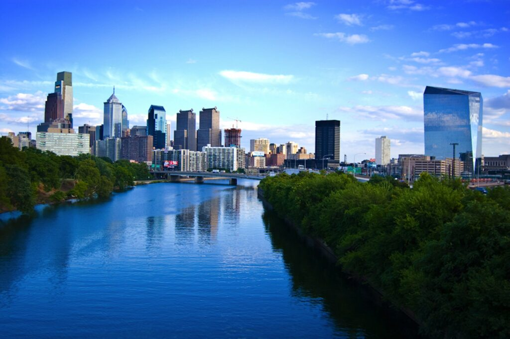 moving from New Jersey to Pennsylvania - skyline of Philadelphia