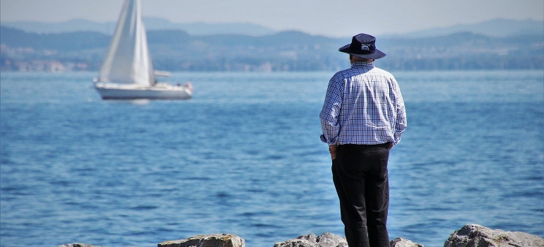 old man spending retirement days as one of the reasons why people are moving to less dense cities