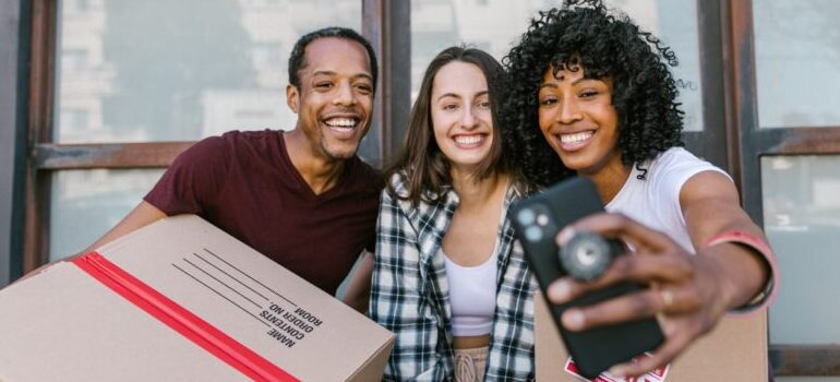 Cheap Movers Los Angeles taking a selfie