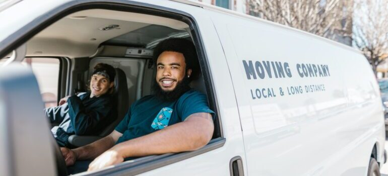 movers ready to assist with moving from NYC to Columbia SC