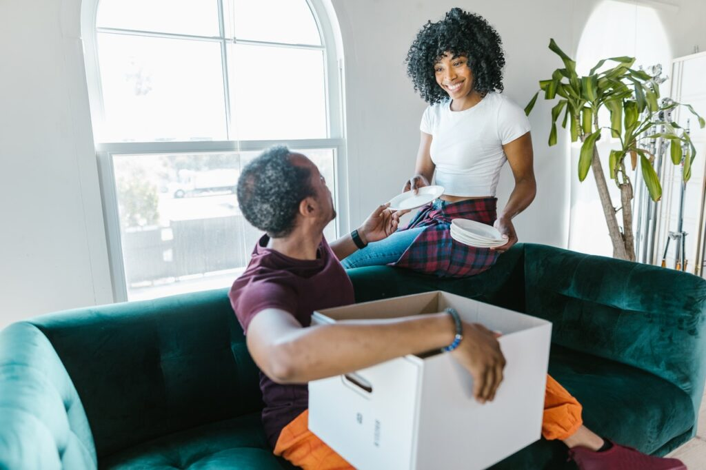 A girl using the services of the best movers in Dallas